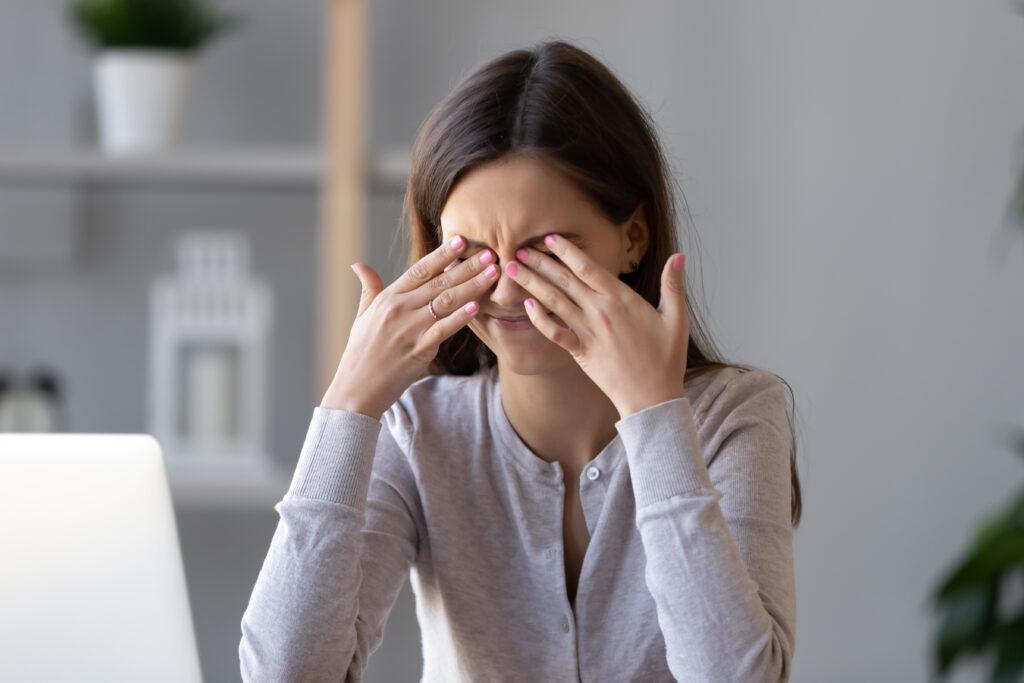 Dry eye Syndrome Symptoms
